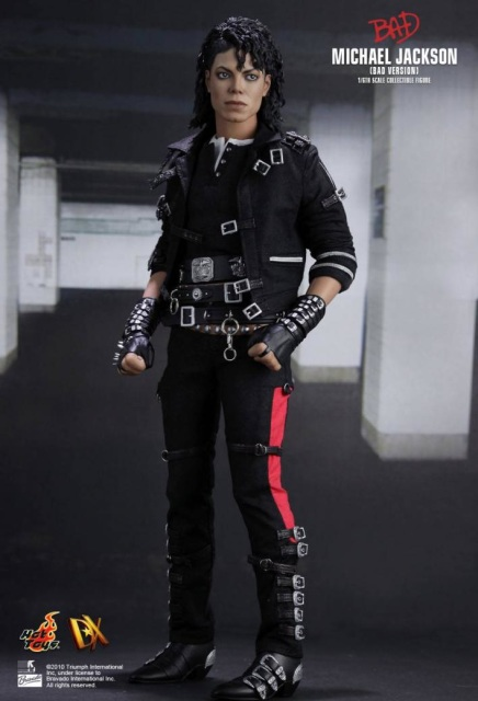 Hot toys michael jackson bad version for Three jackson toy